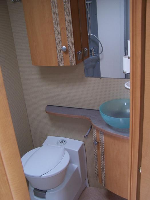 Amelia - Bathroom