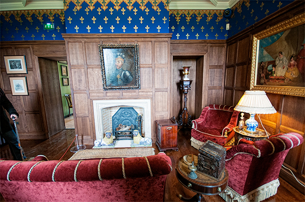 The story of French and English reconciliation is told through subtle art and decorative pieces in each room.