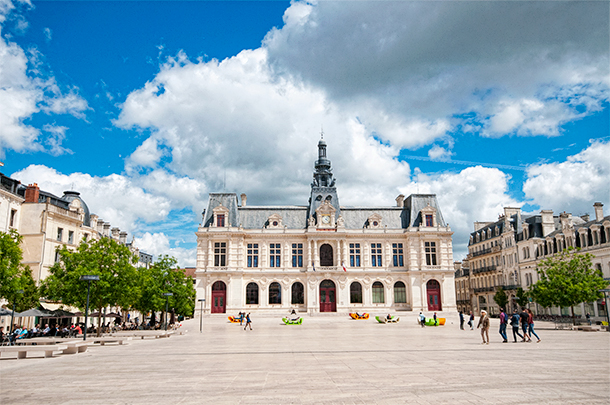 Guided tour of Poitiers, France