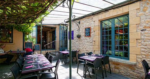 Day 34 – Lunch at Au Bon Acceuil restaurant, Limeuil, France