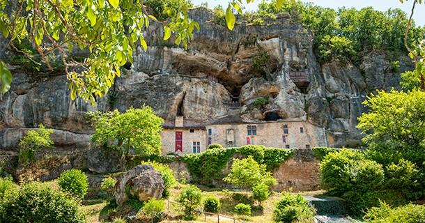 Day 35 – Visit to Maison Forte de Reignac, Dordogne, France
