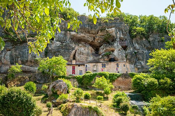 Visit to Maison Forte de Reignac, Dordogne, France