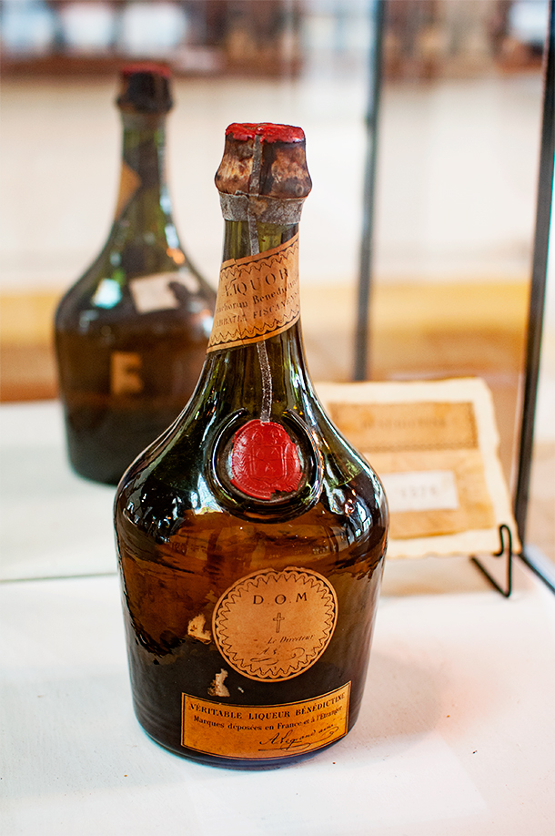 The oldest existing bottle of Benedictine, in the Palais museum... No, we didn't get a taste.